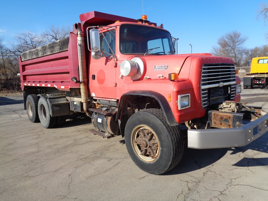1993 FORD LT8000